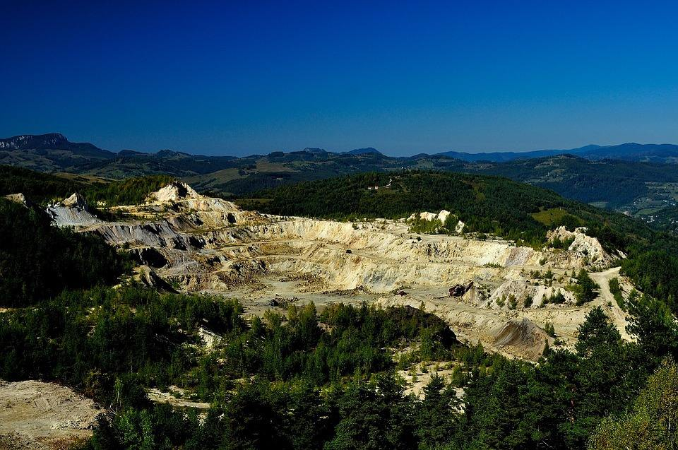 矿业权纠纷诉讼案件适用相关法律法规